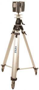 laser-scanner-on-tripod_300x690